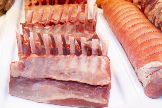 犬に食べさせる肉の量にも注意