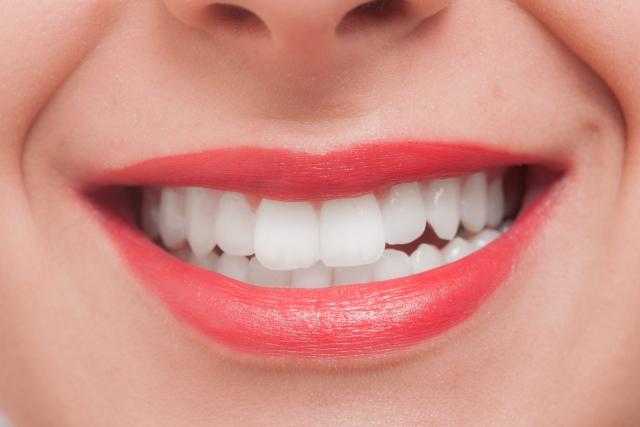 【スノーシャイン】の口コミや使い方をチェック!歯のホワイトニング効果は?