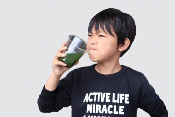 「青汁が粉っぽい!」そんなあなたにおいしく飲む&食べる方法をご紹介!