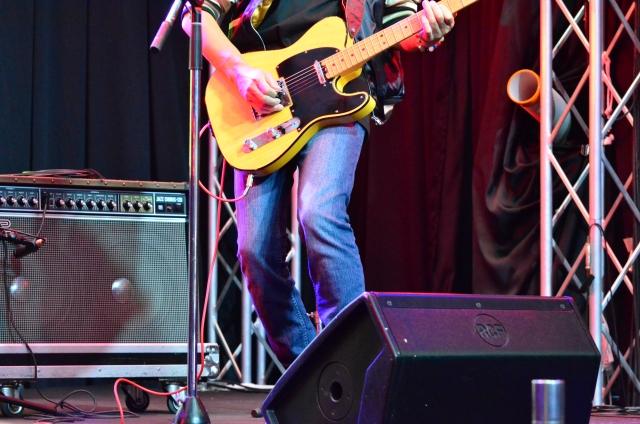 古川忠義さんは渡米から帰国後にベンチャーズのツアー出演
