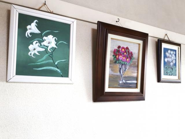 上西竜二さんは個展や創作など広く活動している画家